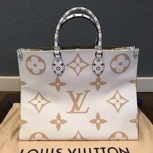 Louis Vuitton Monogram Giant OnTheGo Shopper Creme